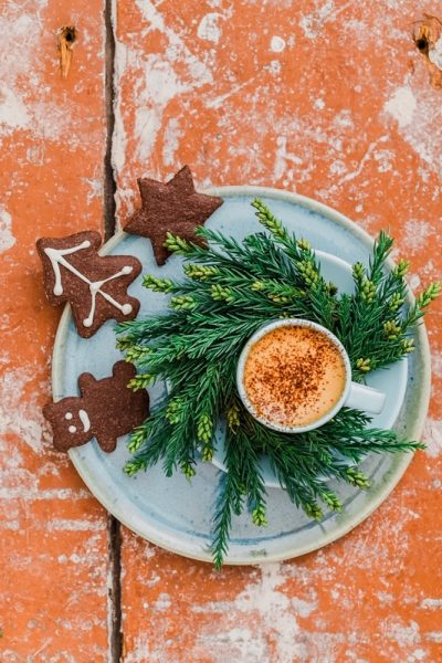 Get the perfect gifts for coffee lovers under $20 for all - picture of coffee and gourmet cookies